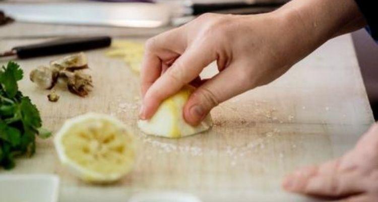 Enlever le tartre avec du citron