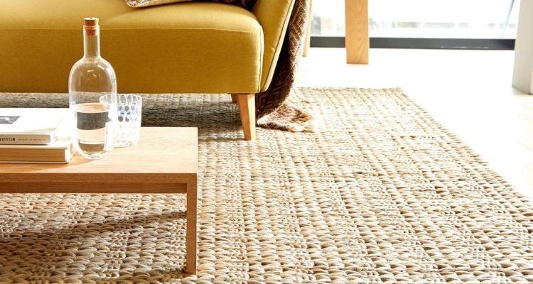 Nettoyer les tapis en fibres naturelles