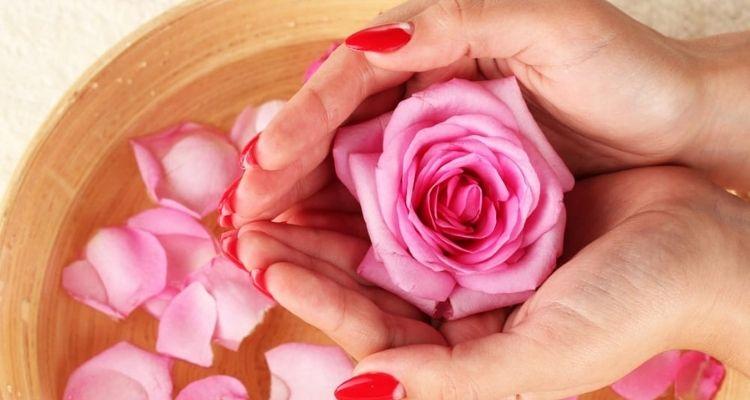 tonifiant à l'eau de rose